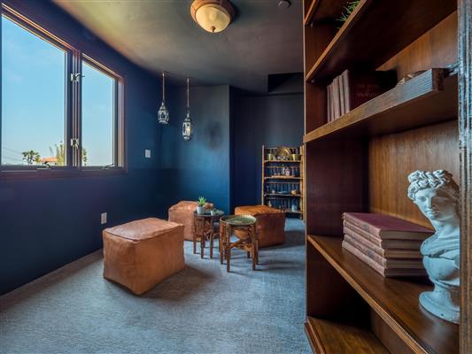 Secret Bookshelf Room