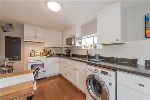 Kitchen/ Upper Floor