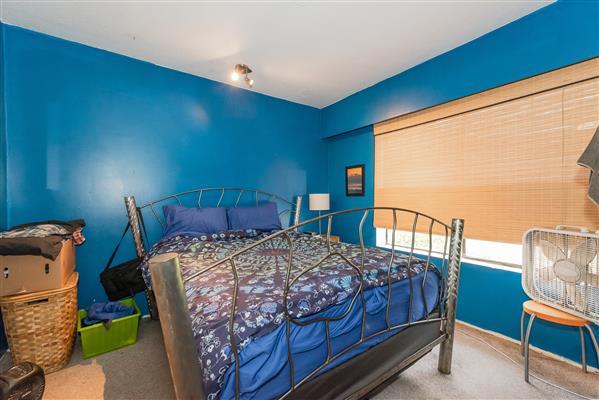 Bedroom/ Main Floor