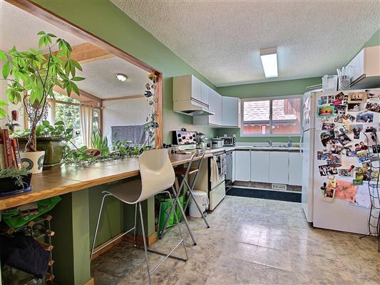 4-922-15th-street-kitchen-1