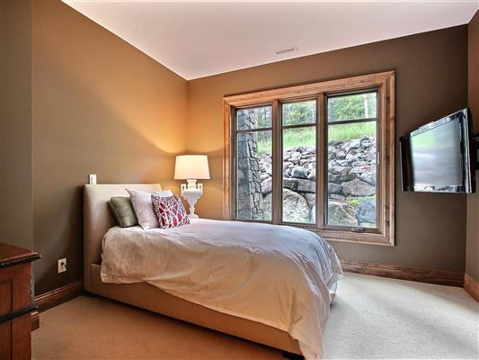 6-stonecreek-road-150-unit-9-bedroom-2