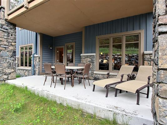 8-stonecreek-road-150-unit-9-patio-1