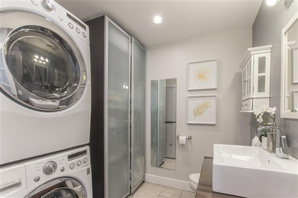 Laundry Room/Bath