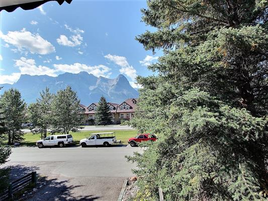 8-1226-2nd-ave-canmore-view-from-art-room