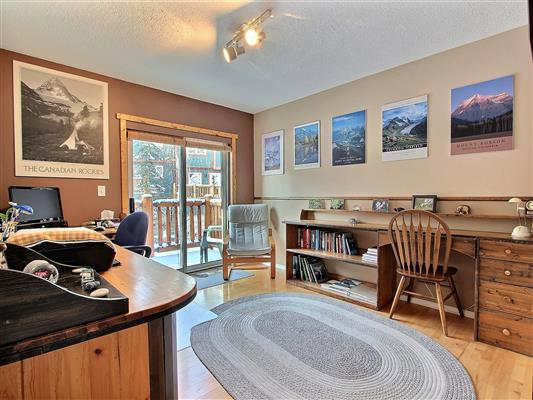 7-13-1022-rundleview-drive-canmore-bedroom-2-