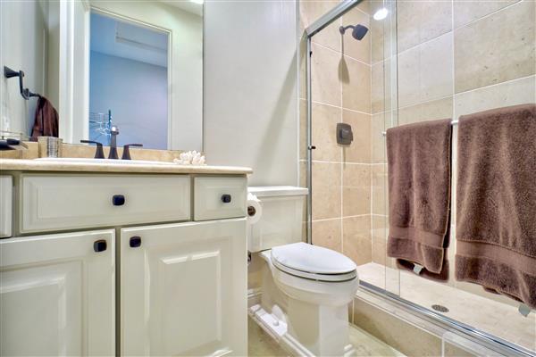 12bathroom.jpeg
