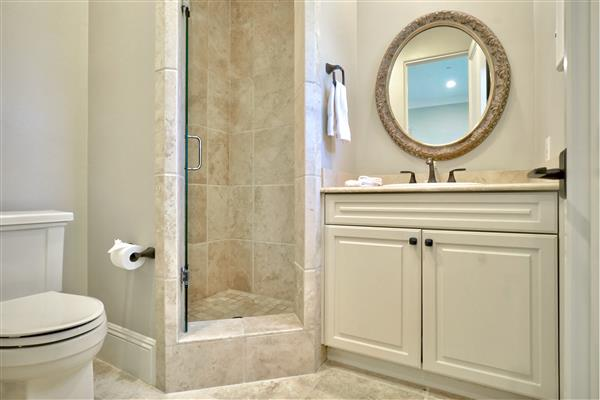 18bathroom.jpeg