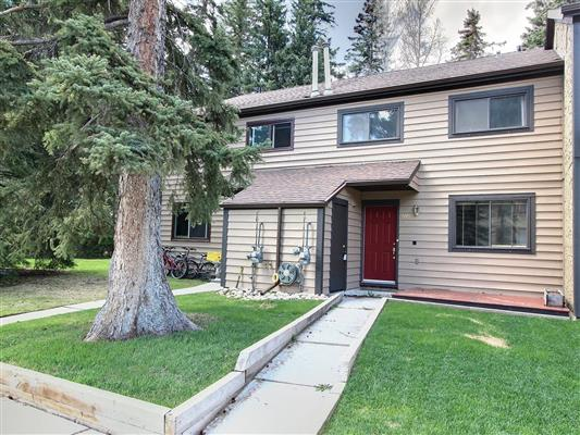 7-515-cougar-street-banff-front-view-2