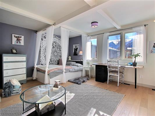 7-1025-15th-street-canmore-lower-bedroom-2-2
