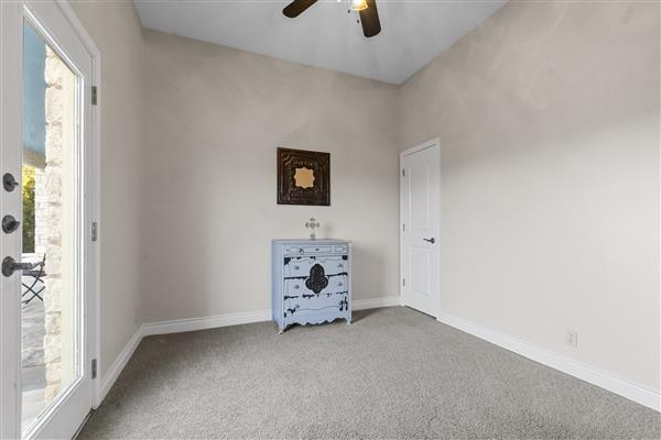 Master Bedroom En Suite Office