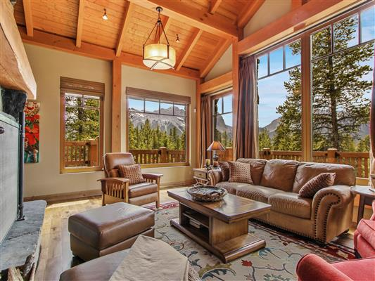 6-865-Silvertip-Heights-Canmore-living-1