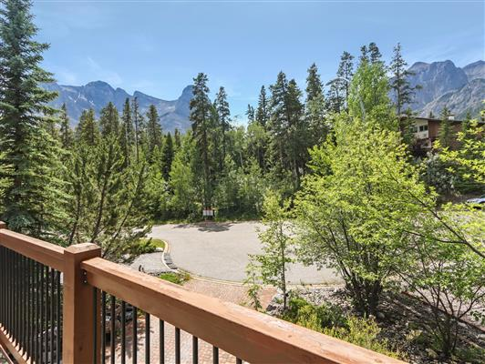 5-103-squirrel-canmore-frontdeckview-1