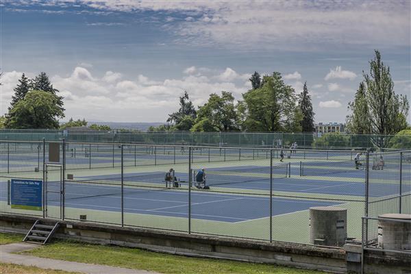 Queen E. Tennis Courts