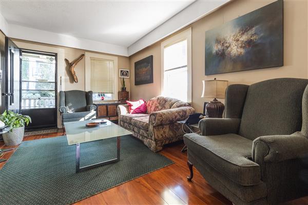Living Room 202 Boileau