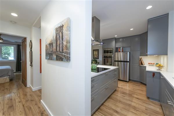 Kitchen/ Hall