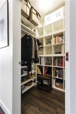 Foyer / Walk In Closet