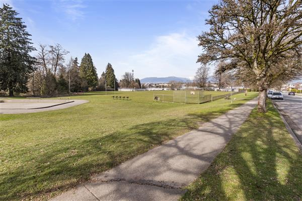 Renfrew Community Park