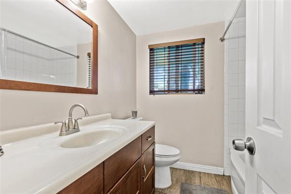 Upstairs Bedroom Bath