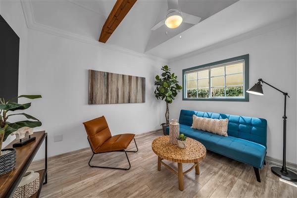 Casita Sitting Room/office