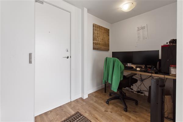 Home Office / Foyer