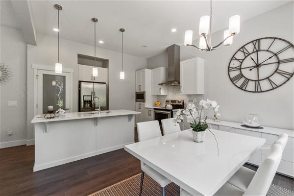Kitchen / Dining Room