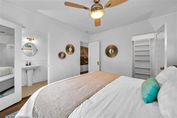 1215 S View Point 18