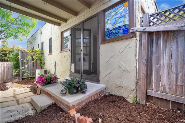 1215 S View Point 21