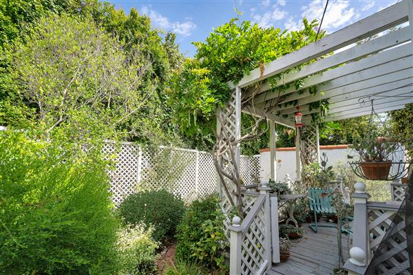 1215 S View Point 35