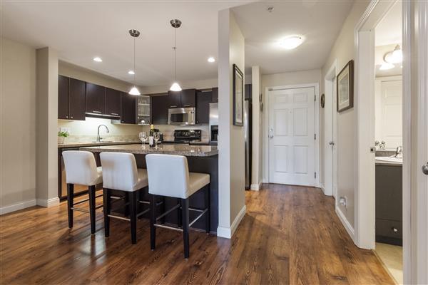 Foyer / Kitchen