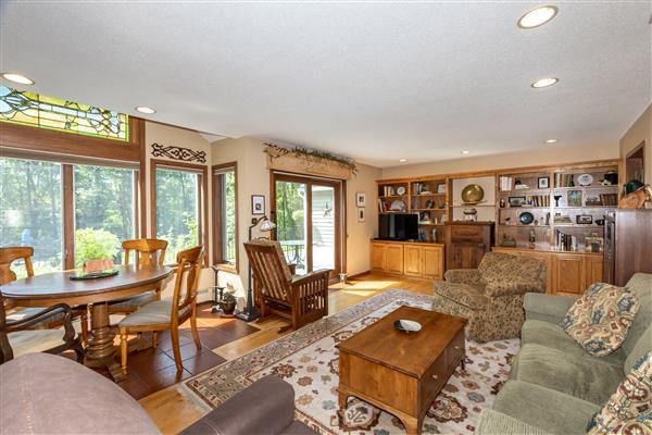Breakfast Area / Family Room