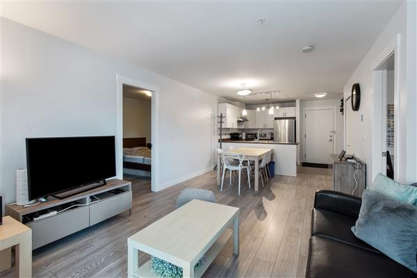 Kitchen / Dining Room / Livin