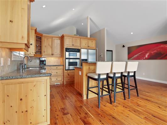 4-2-136-stonecreek-road-canmore-kitchen2