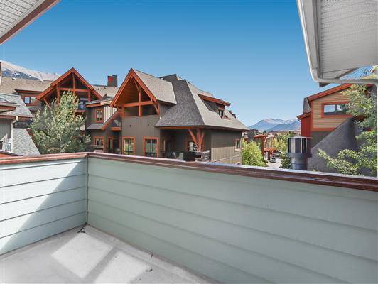 3-423-101-montane-road-canmore-deck