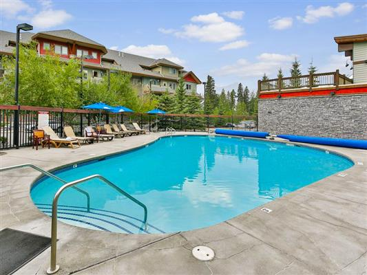 8-423-101-montane-road-canmore-pool