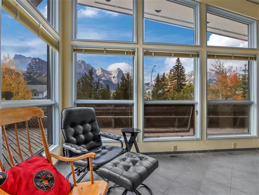 4-253-grizzly-cres-canmore-living-view-3