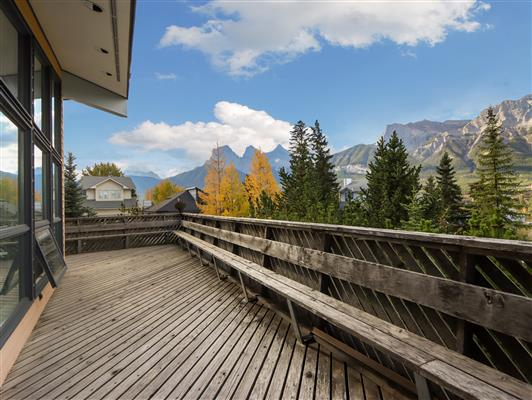 5-253-grizzly-cres-canmore-deck-1
