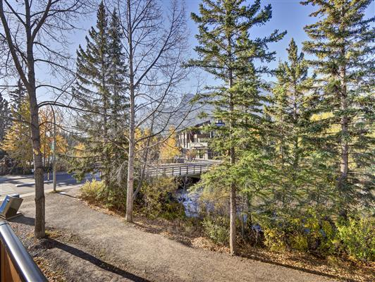 4-37-1119-railway-ave-canmore-deckview-1