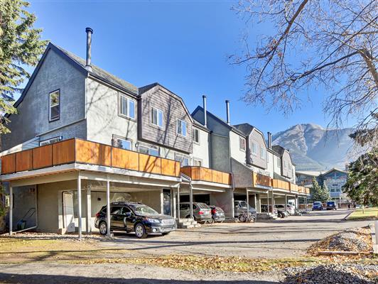 8-37-1119-railway-ave-canmore-exterior-1