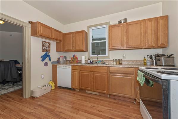 Left Unit Kitchen