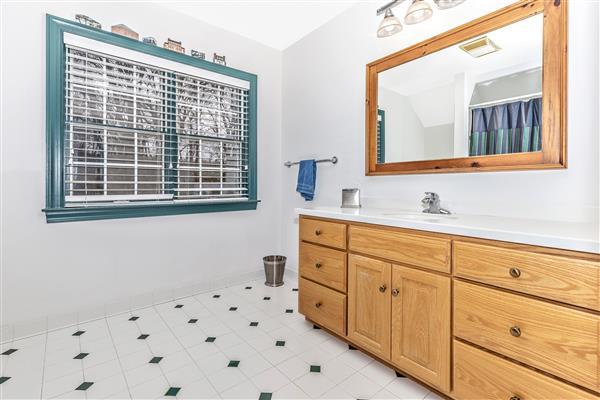 Hallway Bathroom 1